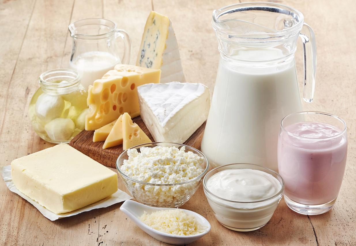 <a href='https://zdravbud.net/new/moloko-mozhet-zashchitit-ot-ozhireniya' style='font-weight: 600;'>молочные продукты</a>