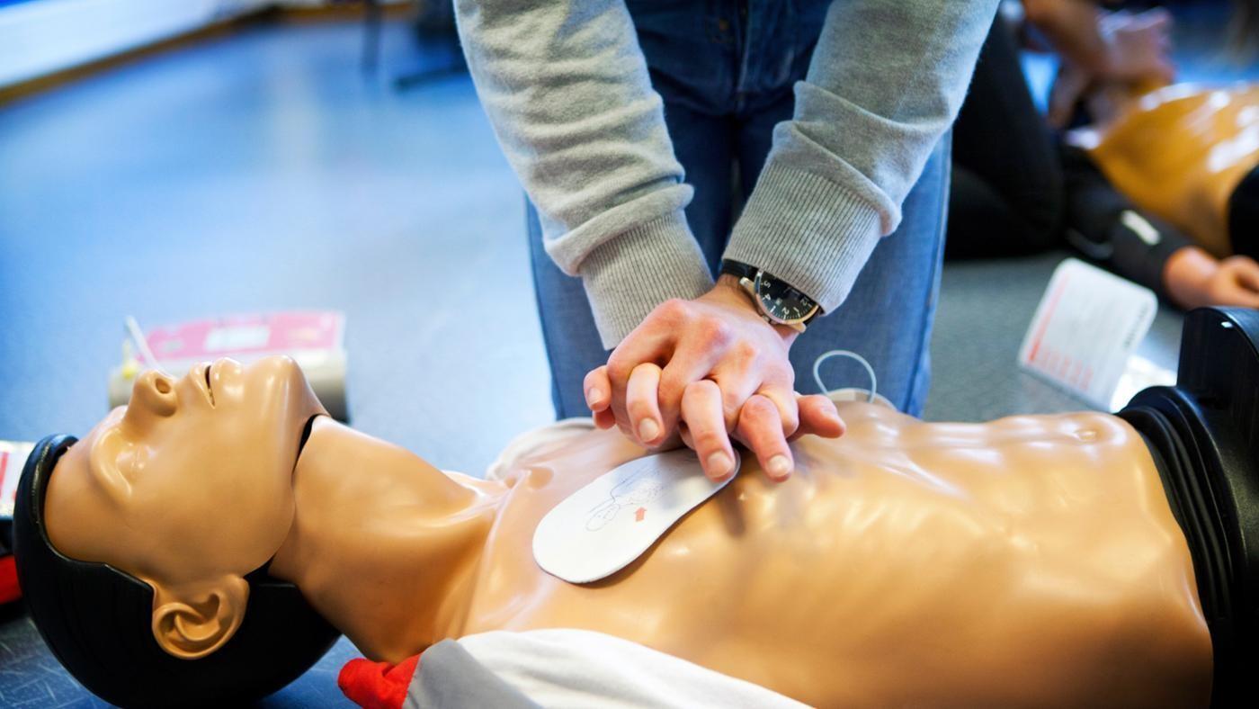 тренировка массаж сердца